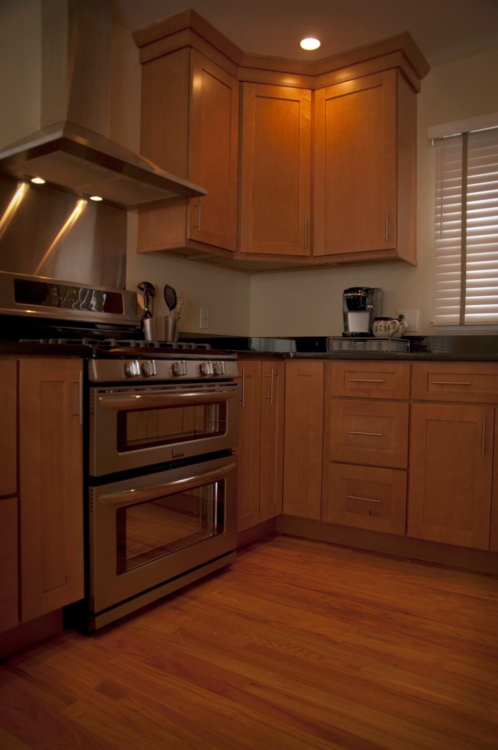 kitchen oven.jpg