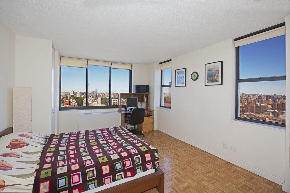 East_95th_Street_205_33J_Bedroom_.jpg