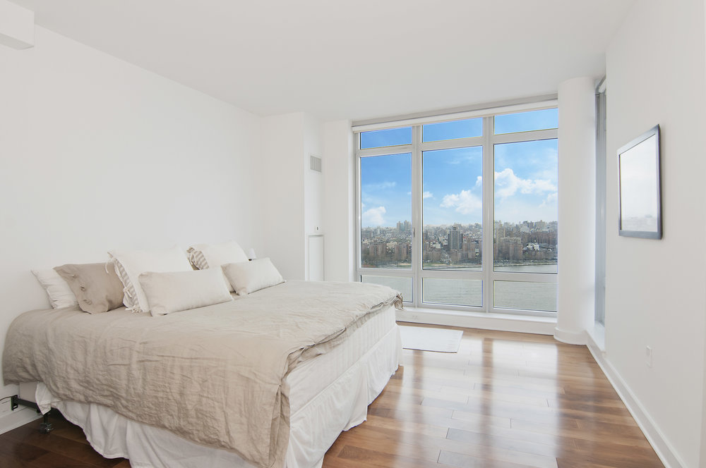 Northside_Piers_2_29-P_Bedroom_RE.jpg