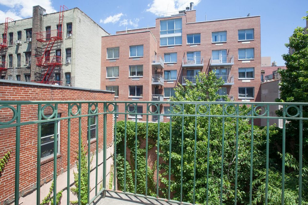 East_10th_Street_383_A4_Balcony.jpg