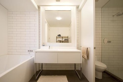 15+William+St,+29D+-+Bathroom+view+1.jpg
