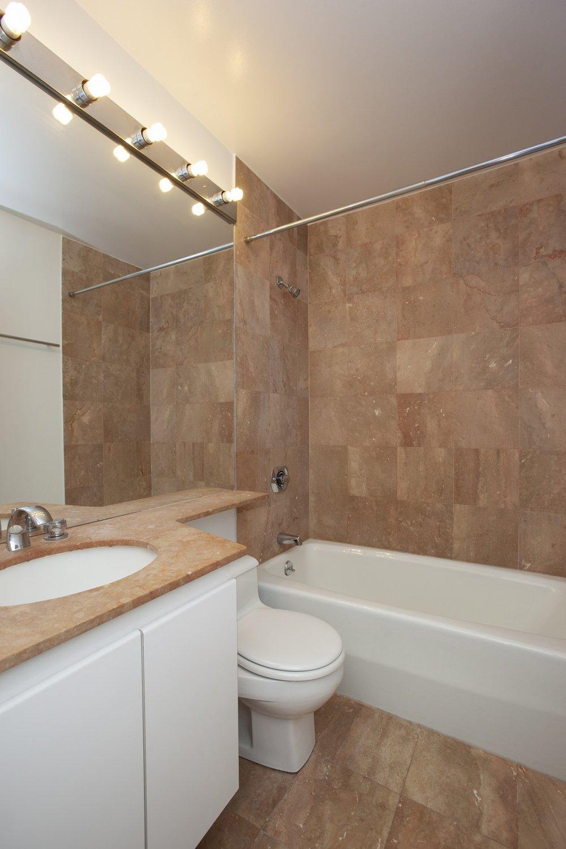 West_90th_Stret_250_4B_Bathroom_.jpg