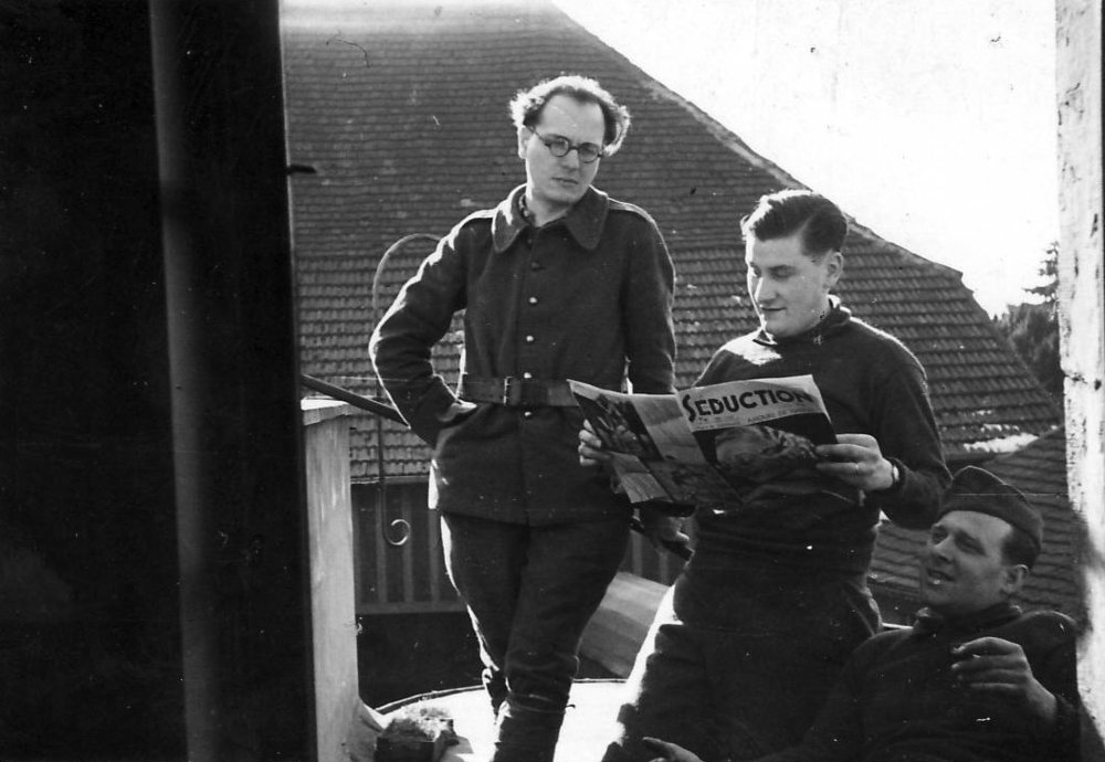 Olivier Messiaen during a campaign in the east of France, Metz 1939/40. Source: The archive of Yvonne Loriod-Messiaen, Paris.