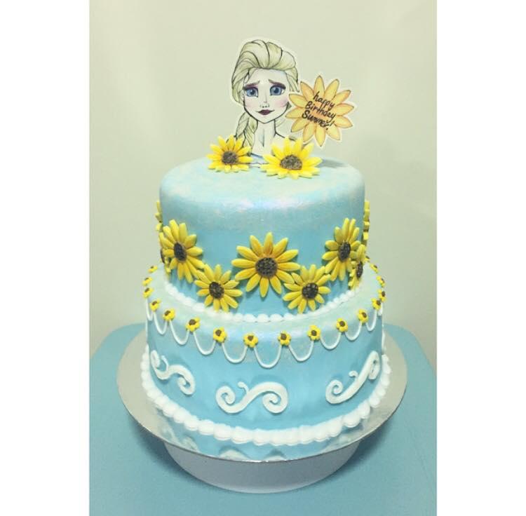 Frozen / Elsa cake  | Brisbane Custom Cake Decorator | Holly Eloise Cake Artist | Kids