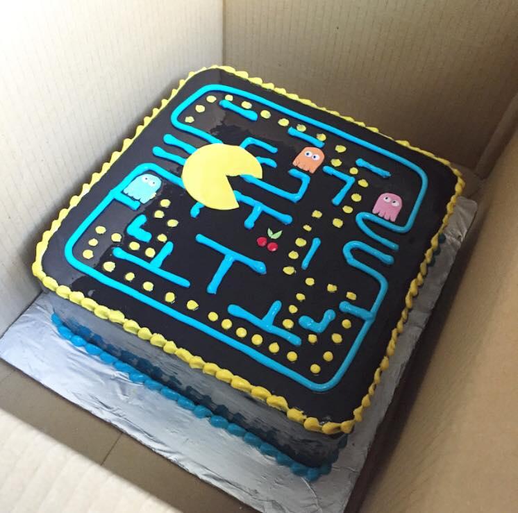 Pac man cake  | Brisbane Custom Cake Decorator | Holly Eloise Cake Artist | Kids