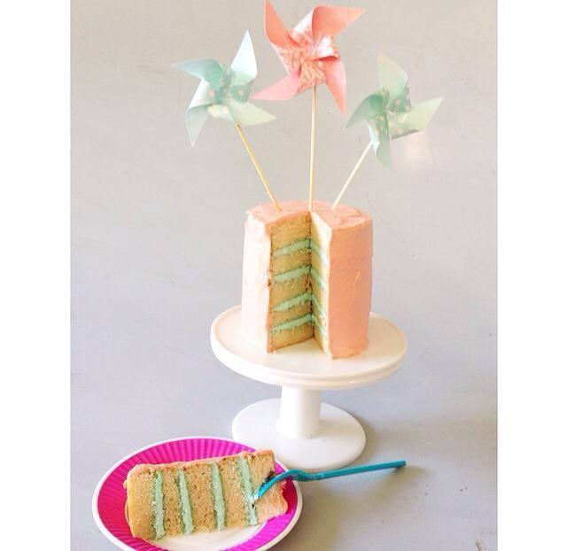 Pinwheel custom cake