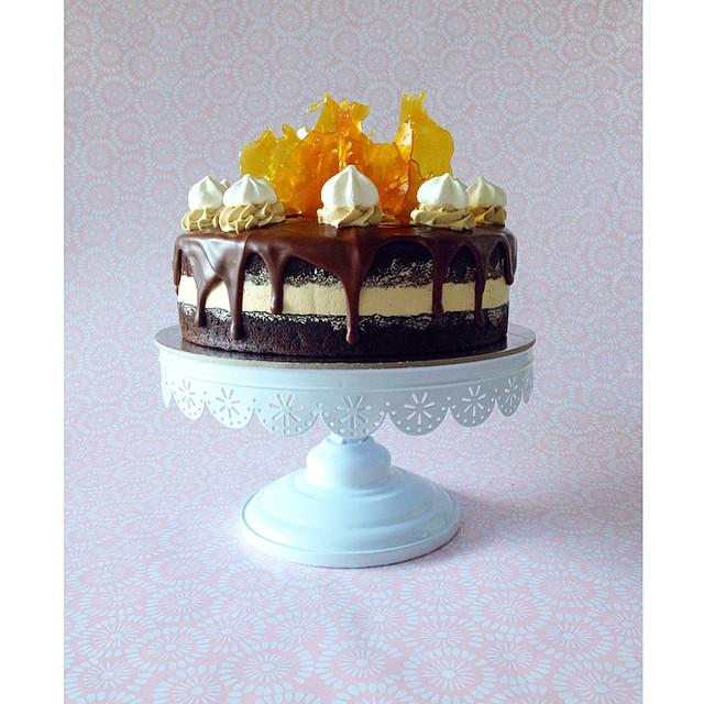 boutique ganache engagement cake  | Brisbane Custom Cake Decorator | Holly Eloise Cake Artist |