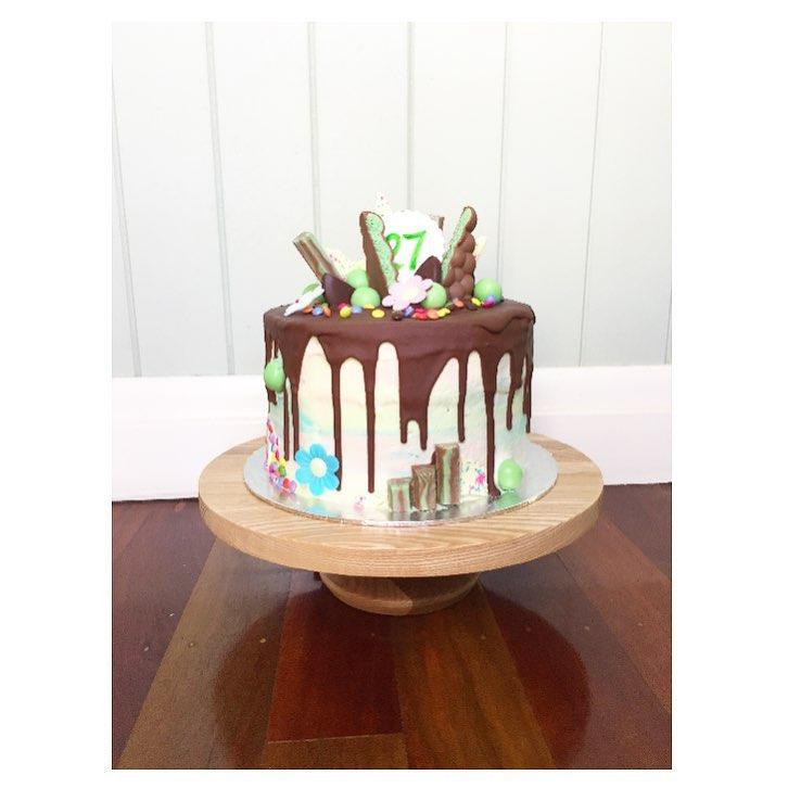 Aero custom cake