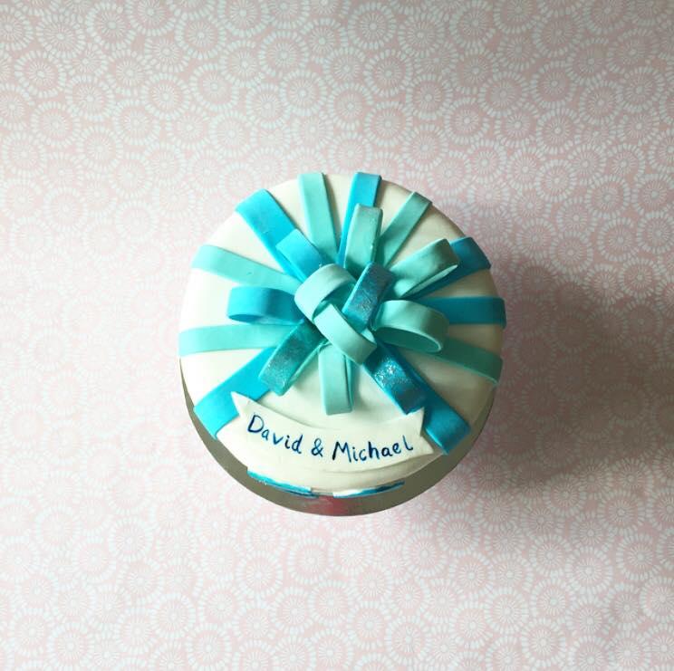Fondant ribbon cake