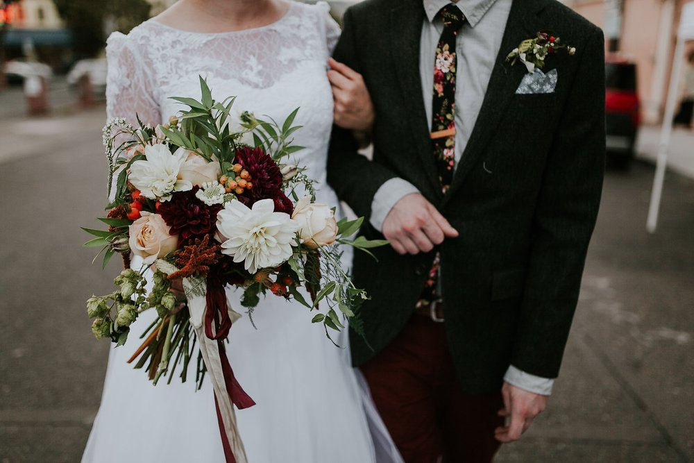 cassie + eric - romantic autumnal portland wedding at union/pine