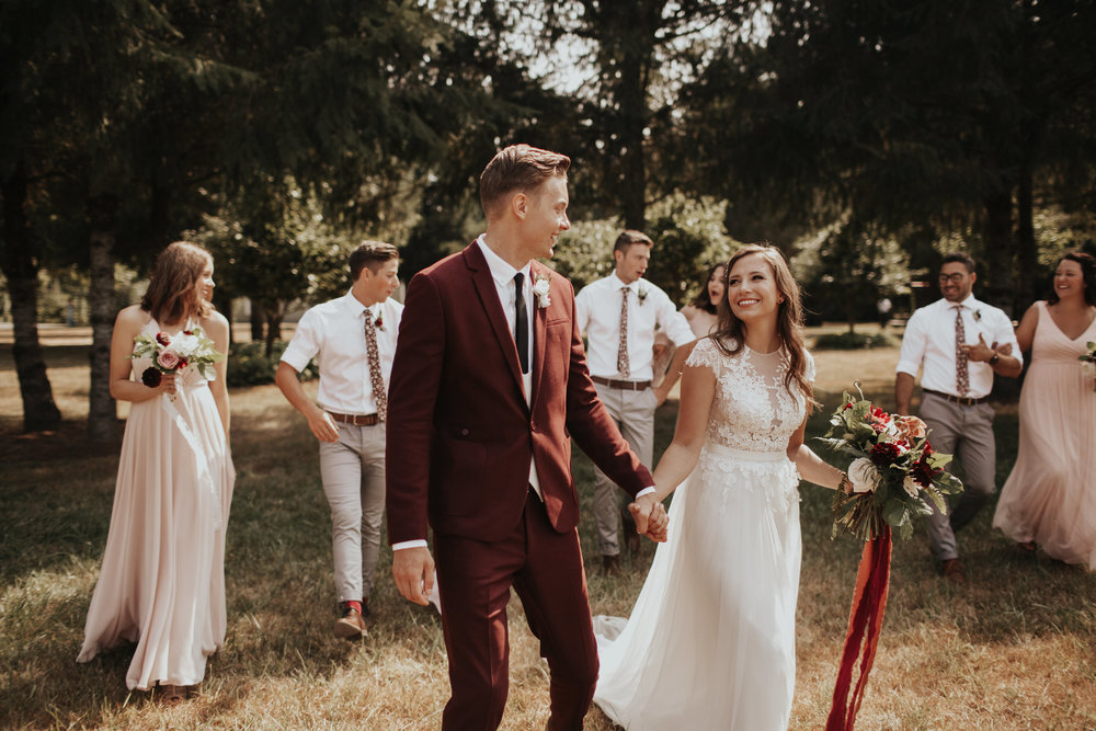 micah + ally - stylish outdoor oregon wedding at clackamas river farm