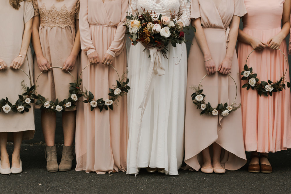 kaiya + aaron - this evergreen pdx wedding has the perfect autumnal floral details