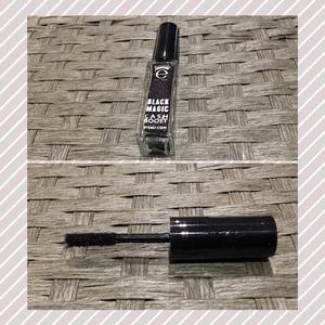 63fcb8ed38f Eyeko Magic Lash Boost Fibers Description: Eyeko Black Magic Lash Boost is  a brush-
