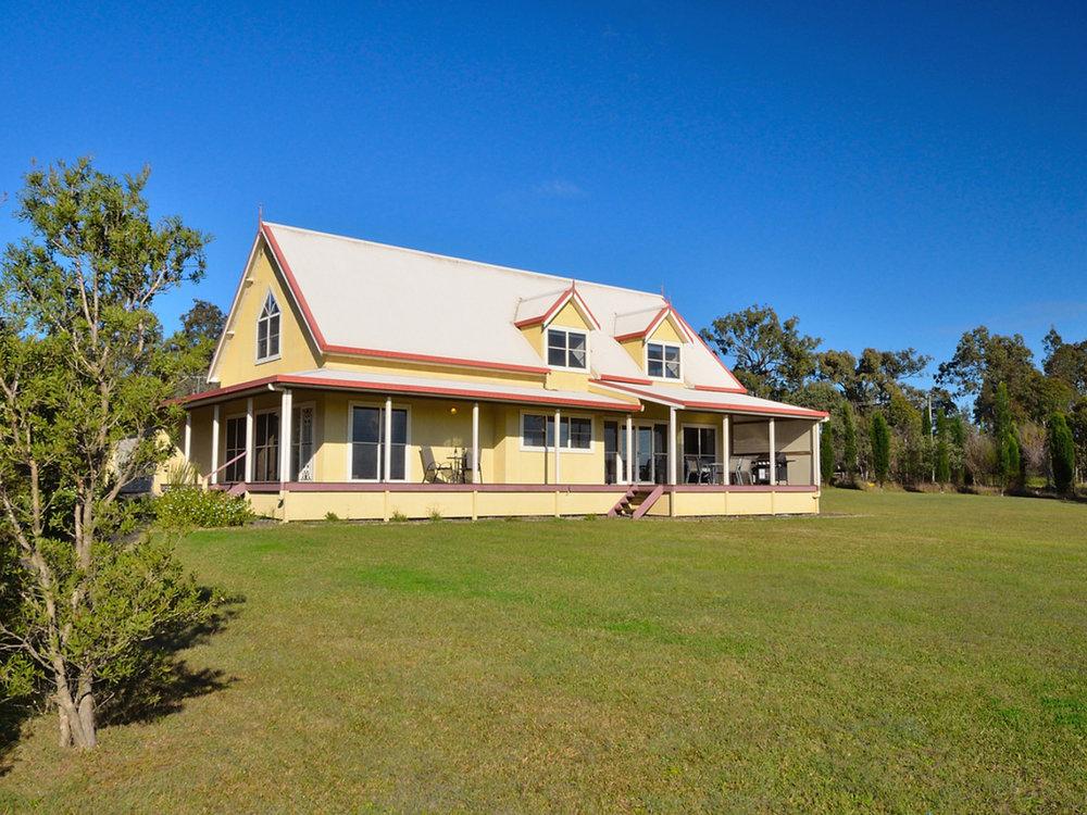 TheArtist-Cottage-exterior-2.jpg