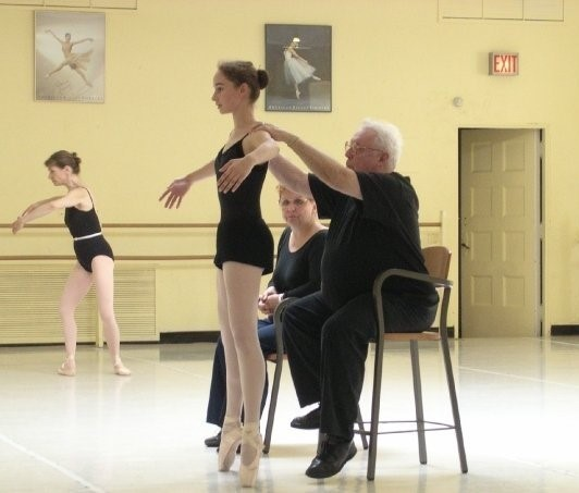 Pointe technique class at Ruth Page Center for the Arts, 2003. PC: Jody Simmons