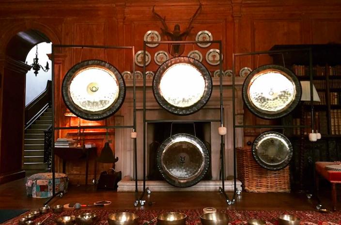 Studio Britford Gong Bath