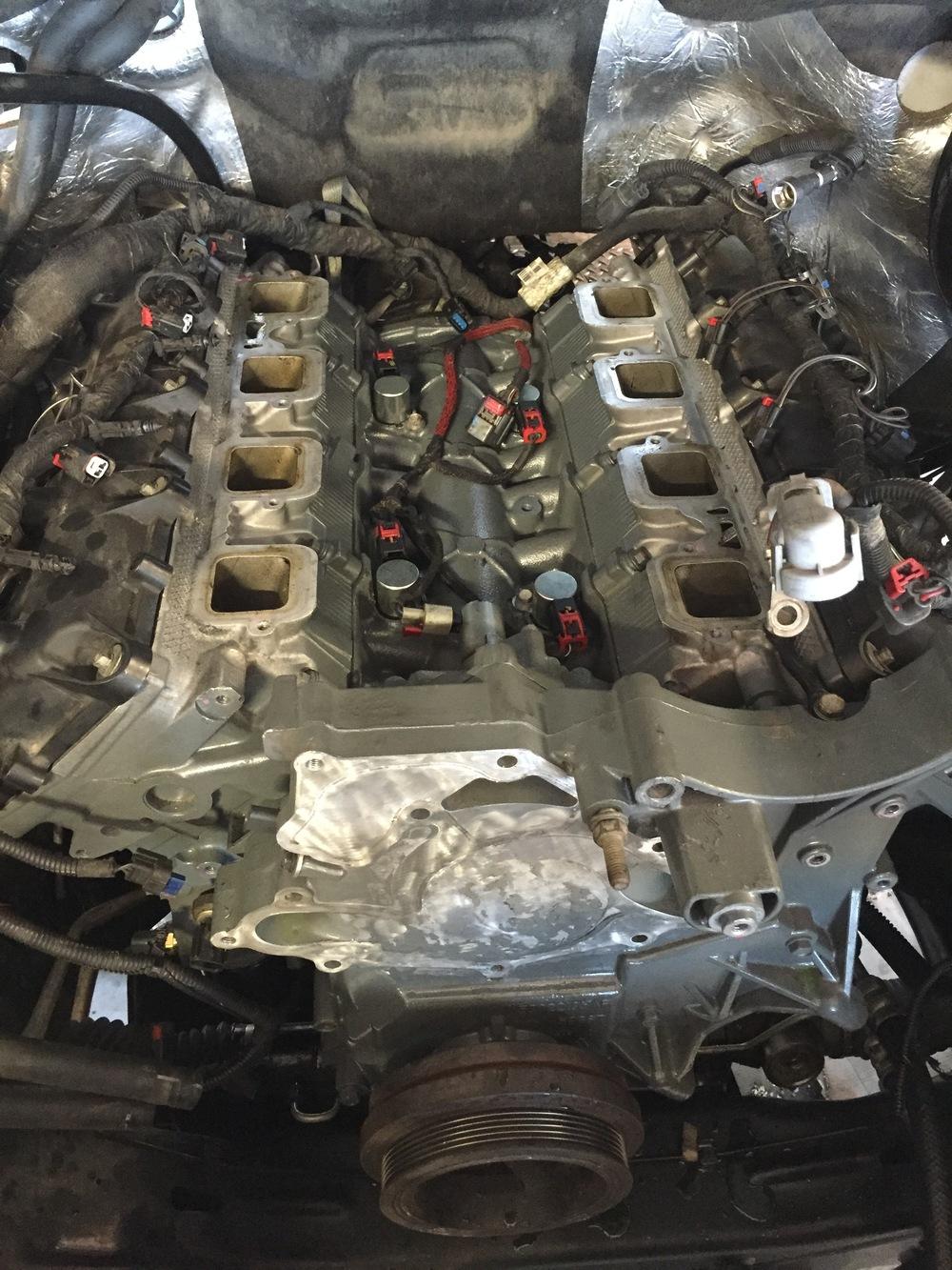 DODGE RAM ENGINE.JPG