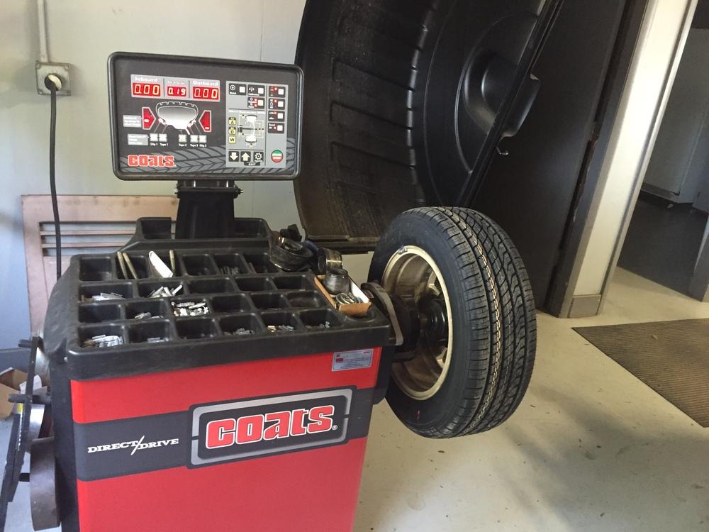 tire machine.JPG