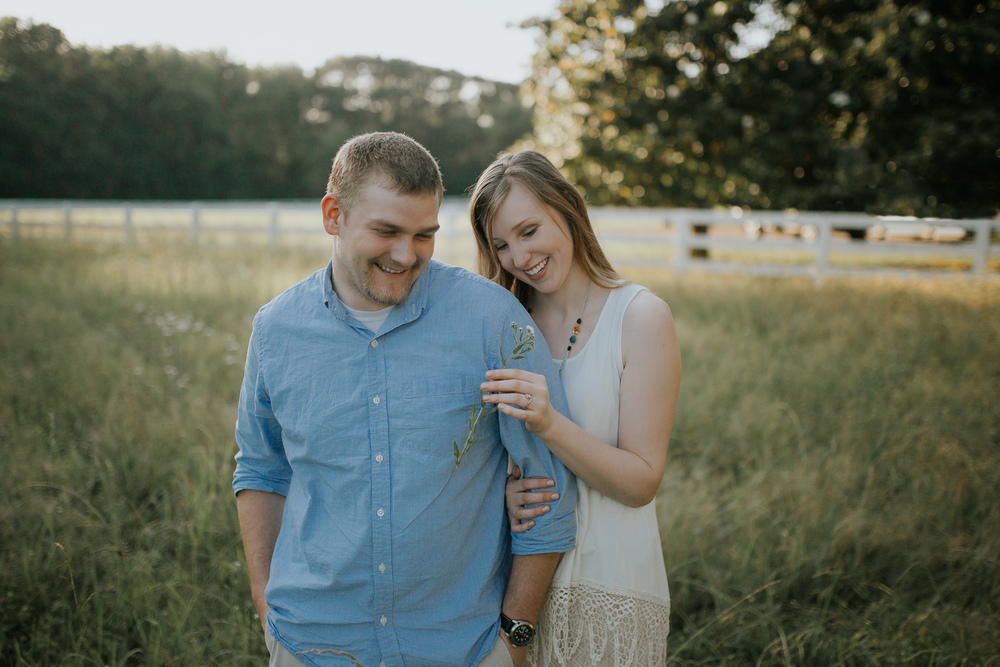 Cassie Cook Photography | Hernando, MS | Engagement-and-wedding-photographer-southern-field-couple