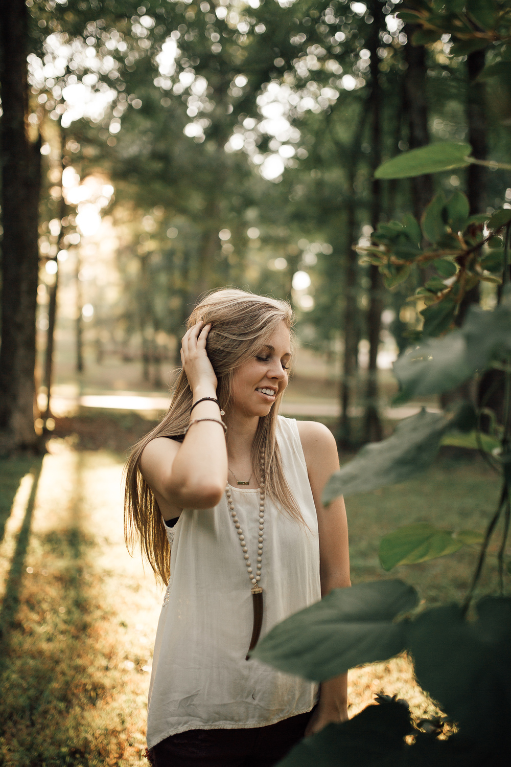 cassie-cook-photography-memphis-senior-photographer-outdoors-senior-pictures-olive-branch-ms