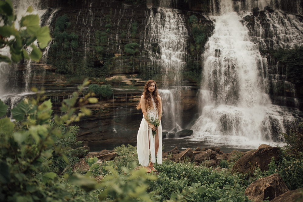 cassie-cook-photography-chattanooga-wedding-photographer-rock-island-state-park-waterfall-bridal-inspiration