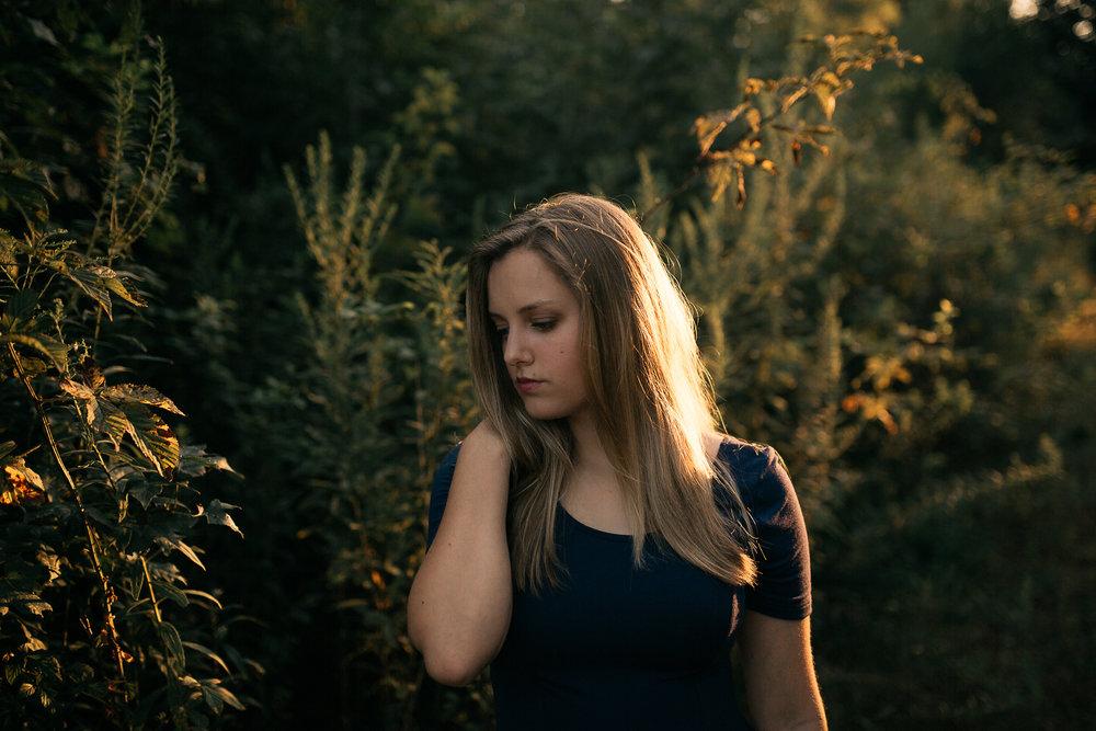 memphis-senior-photographer-outdoor-senior-pictures