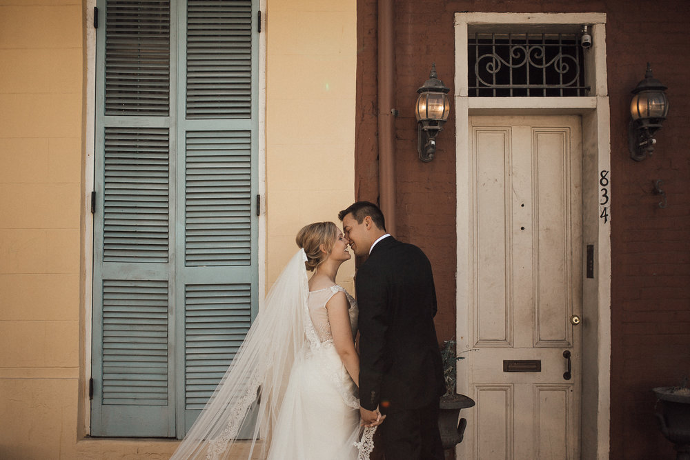 cassie-cook-photography-new-orleans-wedding-the-pharmacy-museum-destination-wedding-new-orleans-wedding-photographer-destination-wedding-photographer