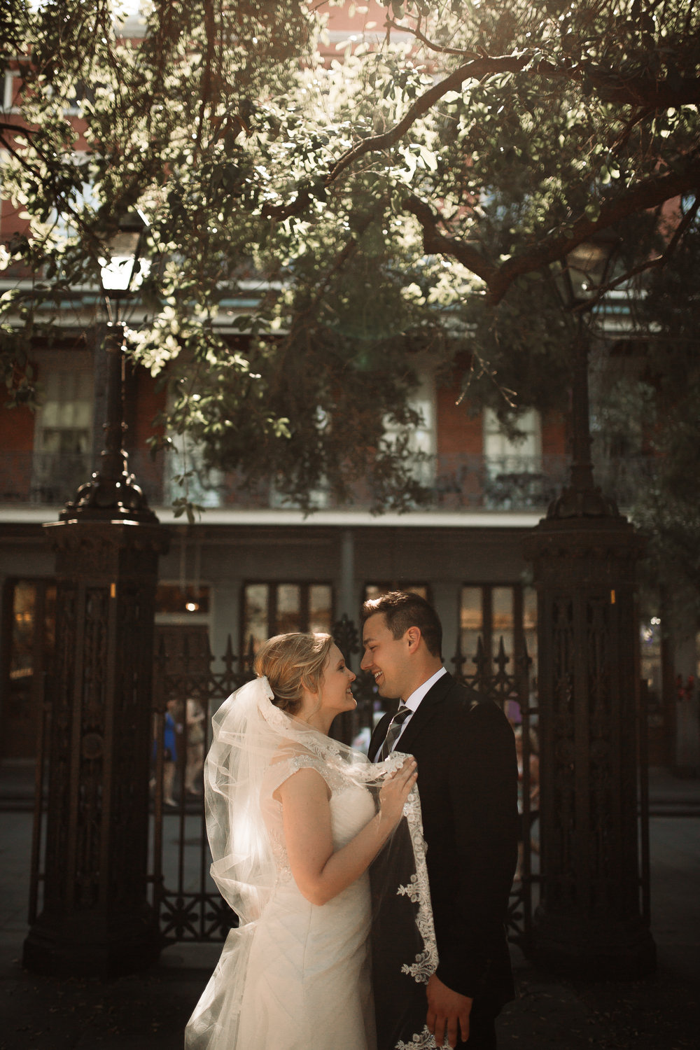 cassie-cook-photography-new-orleans-wedding-photographer-new-orleans-wedding-venue-the-pharmacy-museum