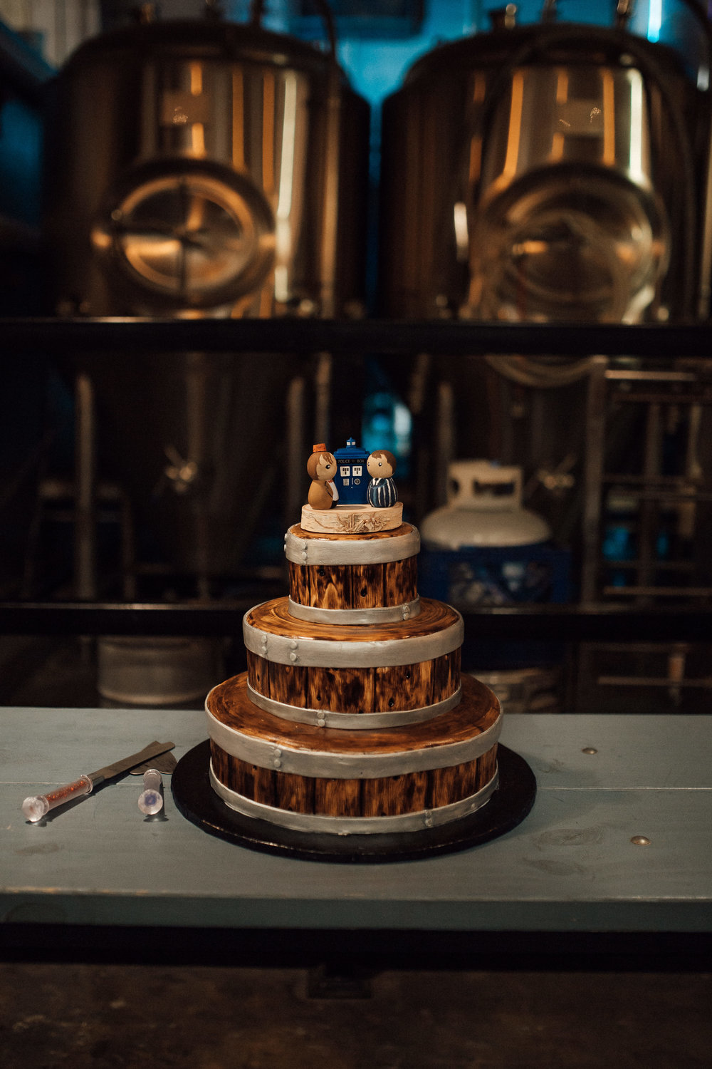 dr-who-wedding-cake-unique-wedding-cake-nerdy-wedding