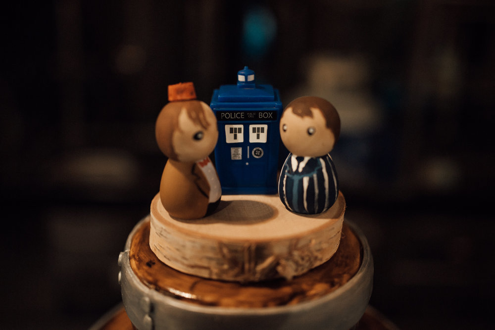 nerdy-wedding-dr-who-wedding-cake-memphis-wedding-cassie-cook-photography