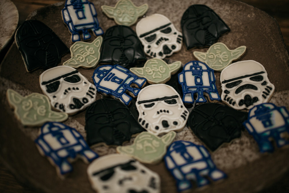 starwars-wedding-cookies-starwars-grooms-cake-cassie-cook-photography-memphis-wedding-photographer
