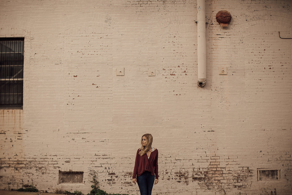memphis-senior-photographer-urban-downtown-memphis-cassie-cook-photography-7.jpg