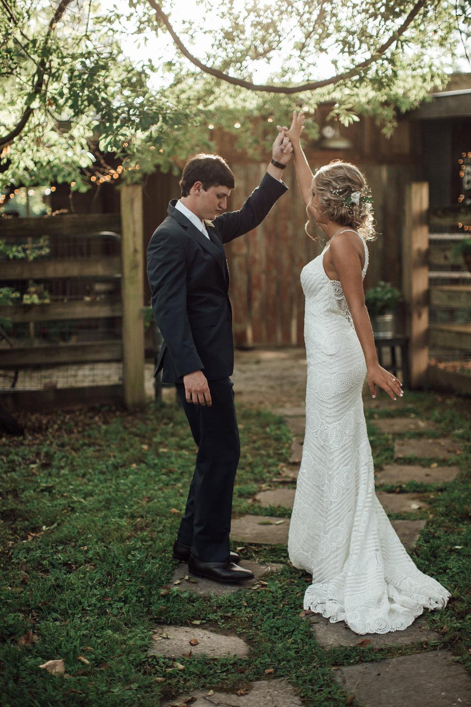 cassie-cook-photography-memphis-wedding-photographer-hedge-farm-wedding-venue-213.jpg