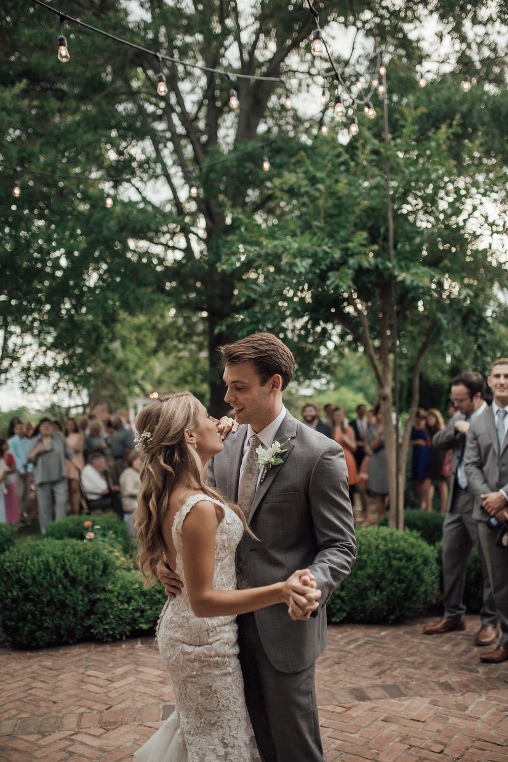cassie-cook-photography-memphis-wedding-photographer-hedge-farm-wedding-venue-279.jpg