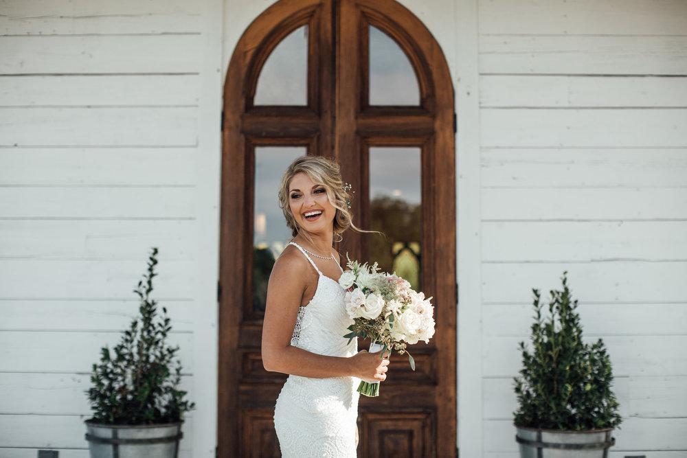 cassie-cook-photography-memphis-wedding-photographer-hedge-farm-wedding-venue-283.jpg