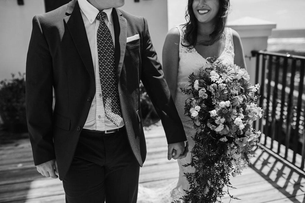 cassie-cook-photography-santa-rosa-beach-wedding-farrar-wedding-20.jpg