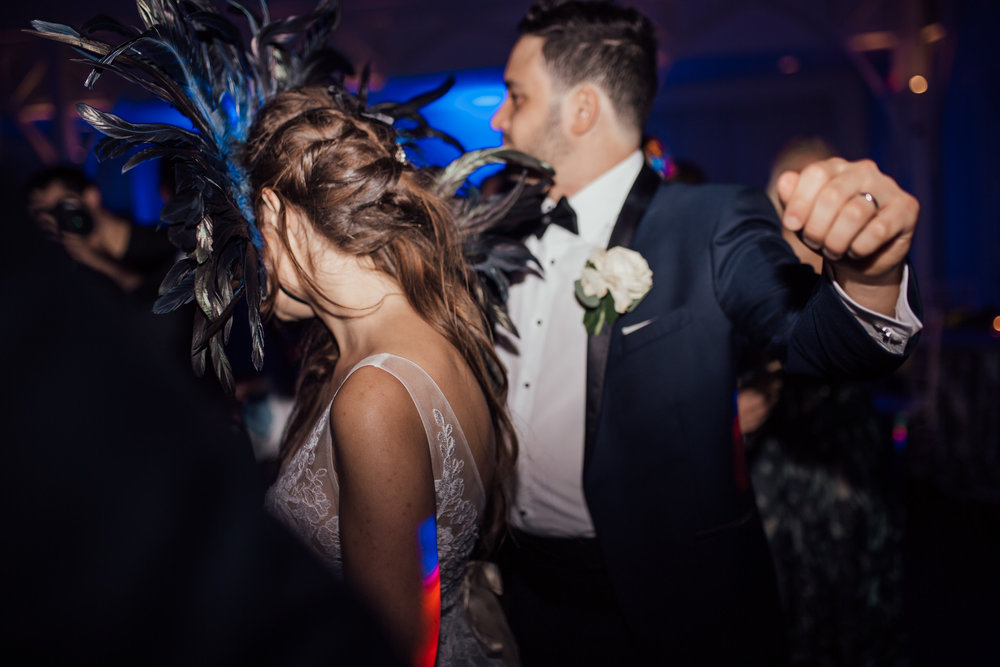 cassie-cook-photography-memphis-wedding-photographer-the-atrium-at-overton-square-52.jpg