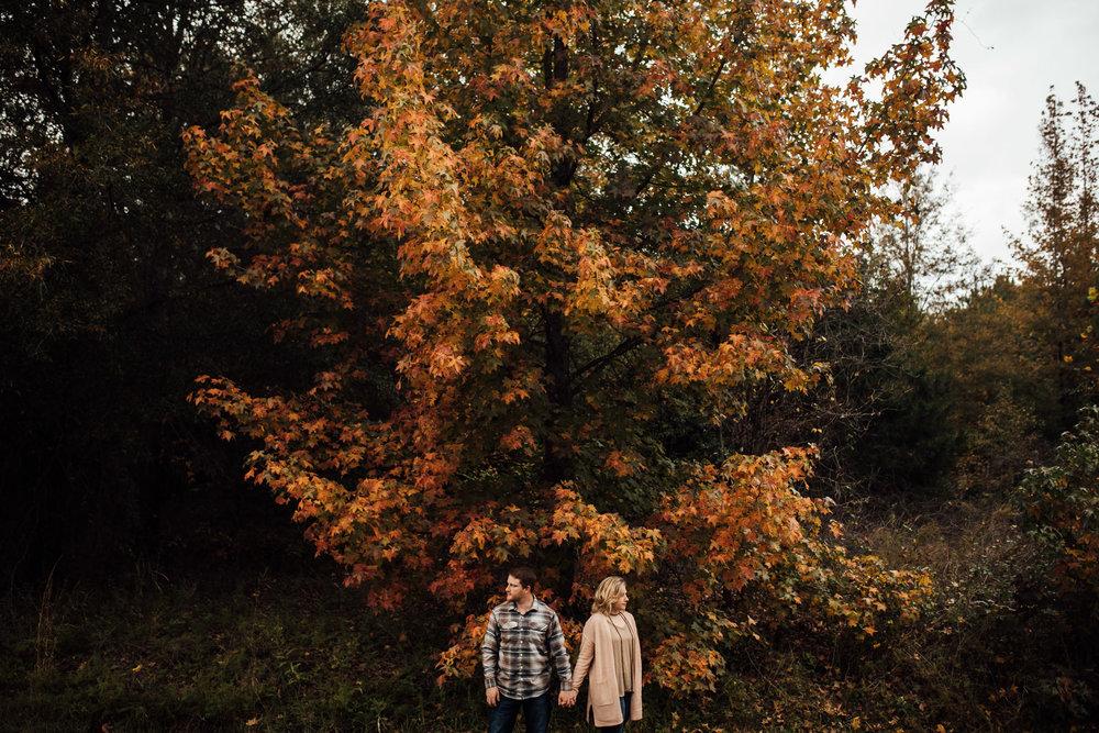 fall-engagement-photoshoot-cassie-cook-photography-memphis-wedding-photographer-10.jpg