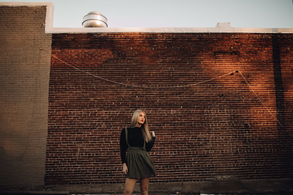 memphis-senior-photographer-cassie-cook-photography-midtown-memphis-senior-portrait