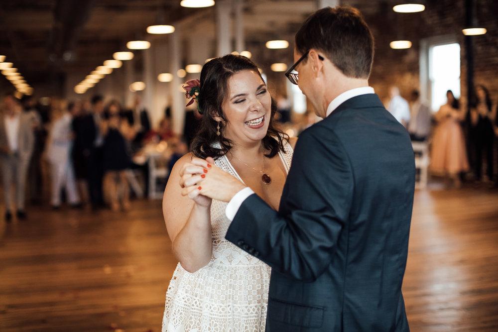 409-s-main-wedding-venue-memphis-wedding-photographer-cassie-cook-photography-36.jpg