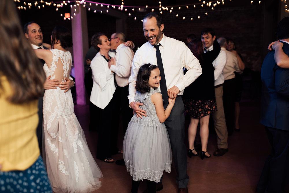 birmingham-alabama-wedding-photographer-laura-terry-the-warmth-around-you (97 of 110).jpg