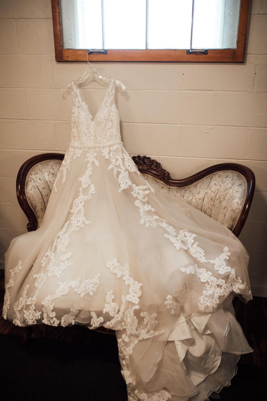 thewarmtharoundyou-wildwood-mckenzie-tn-wedding-memphis-wedding-photographers (29 of 264).jpg