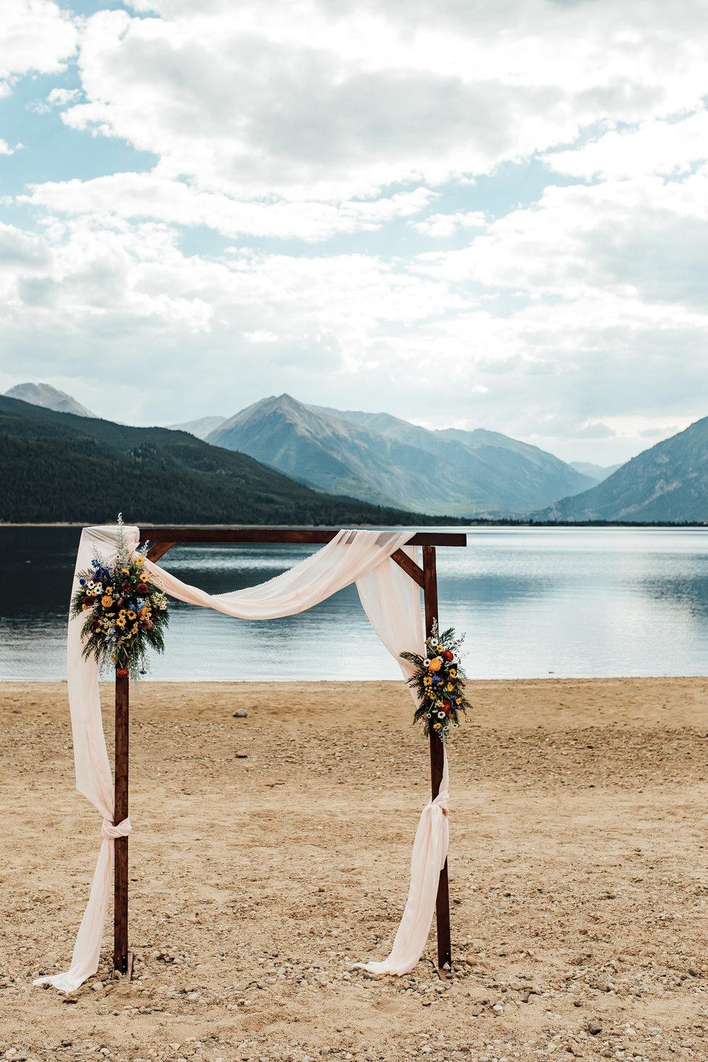 twin-lakes-colorado-colorado-wedding-photographer-twin-lakes-wedding-photographer-aspen-wedding-thewarmtharoundyou (2 of 5).jpg
