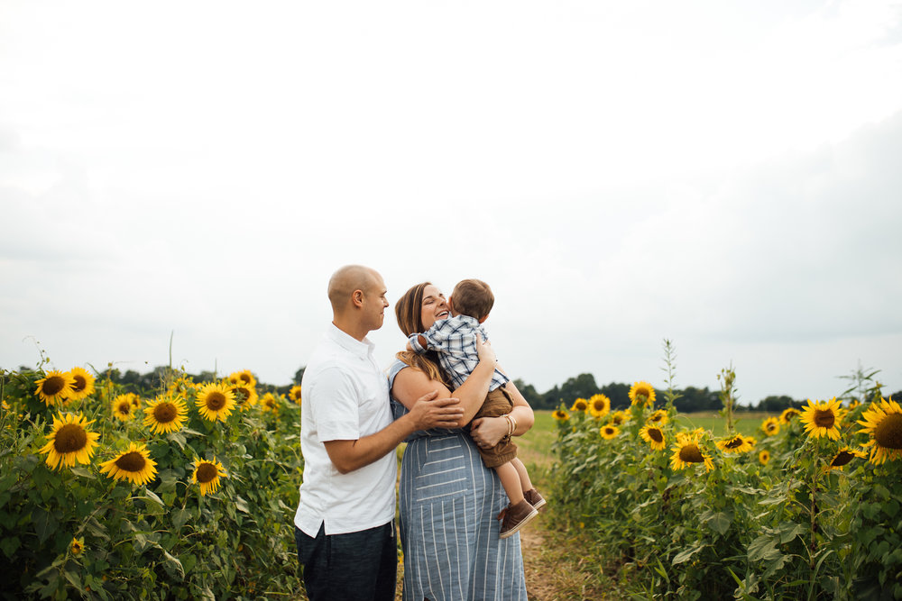 memphis-family-photographer-sunflower-thewarmtharoundyou (1 of 11).jpg
