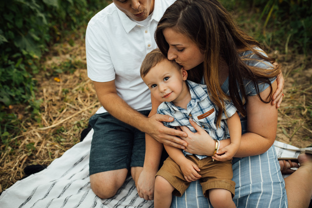 memphis-family-photographer-sunflower-thewarmtharoundyou (6 of 11).jpg