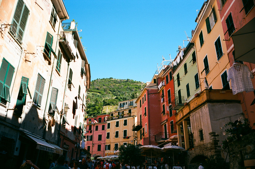 honeymoon-italy-thewarmtharoundyou-orvieto-cinqueterre (118 of 84).jpg