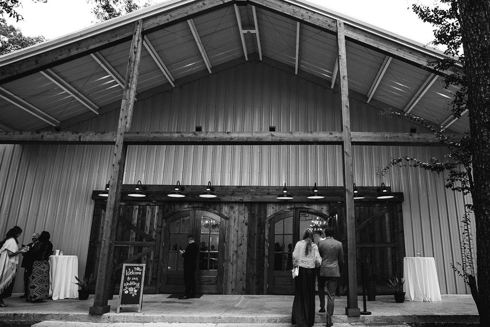 Caitlin-and-Bryan-Avon-Acres-Memphis-TN-Wedding-122.jpg