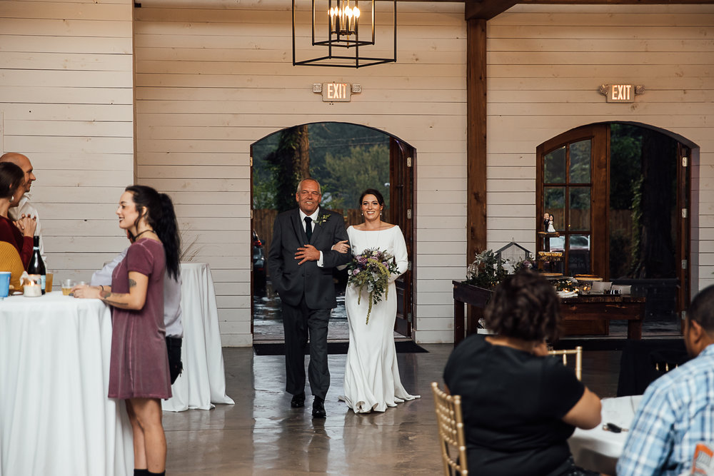 Caitlin-and-Bryan-Avon-Acres-Memphis-TN-Wedding-131.jpg
