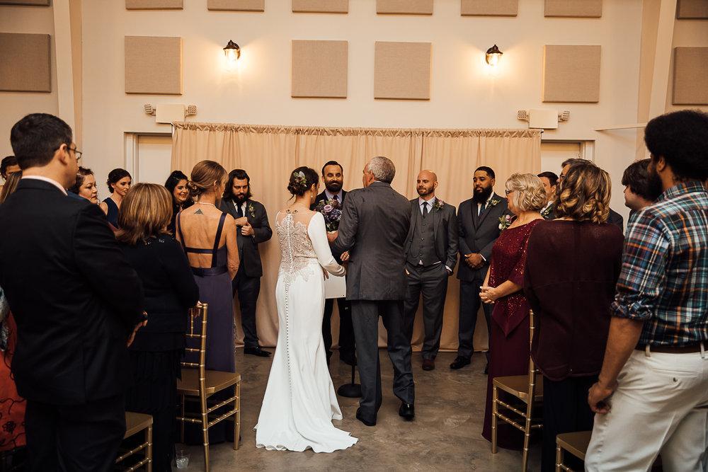 Caitlin-and-Bryan-Avon-Acres-Memphis-TN-Wedding-134.jpg