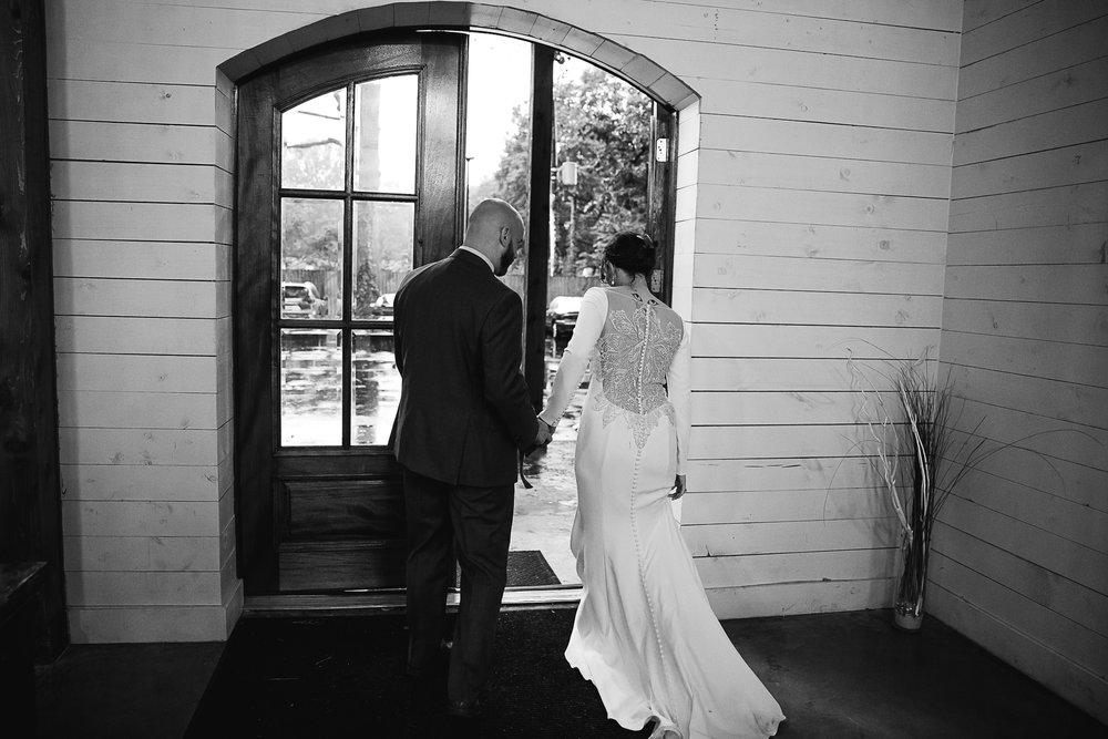 Caitlin-and-Bryan-Avon-Acres-Memphis-TN-Wedding-180.jpg